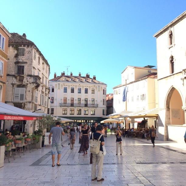 Narodnı Meydanı