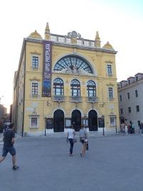 Uluslararası Tiyatro