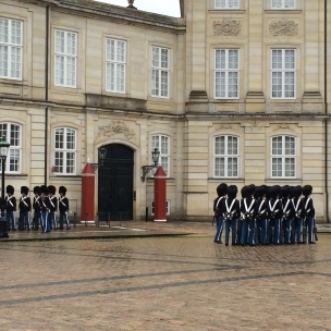 Asker değişim seremonisi