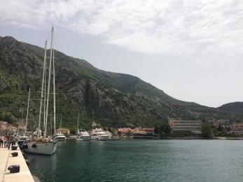 montenegro 407